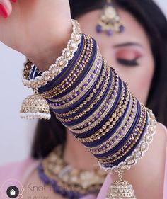 Indian Jewelry Earrings, Indian Jewelry Sets, Jewelry Design Earrings, Indian Wedding Jewelry, Antique Jewellery Designs, Fancy Jewellery, Stylish Jewelry, Fashion Jewelry, Bridal Jewellery Inspiration