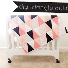 free triangle quilt tutorial, modern ombre triangle quilt tutorial, b/w triangle quilt tutorial, free triangle quilt tutorial template, triangle quilt