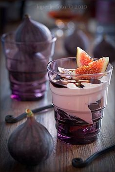 Have a fancy breakfast with Greek yogurt and figs. It's easy and classy! #greekyogurt