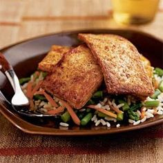 Chili-Glazed Tofu over Asparagus and Rice This recipe is a great idea for spicing up bland tofu. Cutting the tofu into thin strips, glazing, and cooking it leaves a great tasting, crispy addition to this rice dish. Best Vegetarian Recipes, Vegetarian Entrees, Tofu Recipes, Vegan Vegetarian, Cooking Recipes, Healthy Recipes, Recipies, Cooking Tofu, Cooking Photos