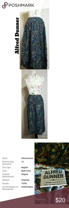Vintage Alfred Dunner Floral Polyester Skirt A pretty floral print skirt, no major visible flaws. Tags: vintage 1970s floral a-line full alfred dunner usa made plus size Alfred Dunner Skirts A-Line or Full