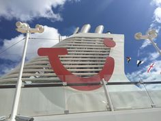TUI Group beschleunigt Ausbau der Kreuzfahrtflotte in Deutschland und England Tui Cruises, Lineup, England, Club, World, Germany, The World, English, British
