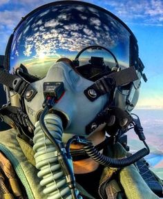 The Fighter Pilot. The most beautiful picture of the world. Jet Fighter Pilot, Fighter Jets, Military Jets, Military Aircraft, Photo Avion, Jet Plane, Fighter Aircraft, Aviation Art, War Machine