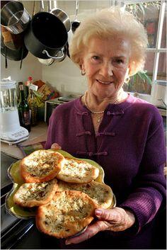 Pletzlach (Onion Flat Rolls)omg,  I had them when I was growing up in Bklyn..