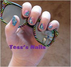 Diagonal two-tone nails