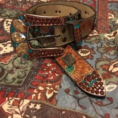 Horseshoe B.B. Simon Belt Gently used! No flaws! Worn a couple of times and then put into storage. I wear a size 27 and this belt fits me perfectly on the last hole. So if you're a 27 and smaller then it'll fit you! Accessories Belts
