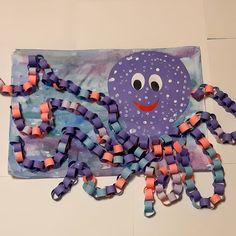 🐙Жил осьминог со своей осьминожкой, И было у них осьминожков немножко. Все они были разного цвет Beach Themed Crafts, Sea Crafts, Crafts To Do, Classroom Crafts, Preschool Crafts, Kids Crafts, Diy Projects For Kids, Diy For Kids, Art Projects