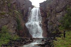 Retkivinkki: Kevon luonnonpuisto on monipuolinen vaelluskohde Tourist Places, Finland, Natural Beauty, Waterfall, Beautiful Places, National Parks, Hiking, Nature, Landscapes