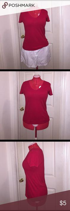 """Forever 21 V-Neck T-Shirt Forever 21 V-Neck T-Shirt EUC Size: Medium Color: Red Fabric Composition: 60% Cotton 40% Modal Measurements when Flat: Bust: 18"""" Waist: 17"""" Length: 23"""" *No stretching. In excellent condition and was only worn a few times. Forever 21 Tops Tees - Short Sleeve"""