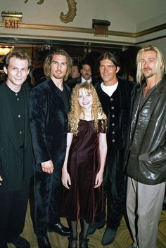 Interview with the Vampire premiere Christian Slater, Tom Cruise, Kirsten Dunst, Antonio Banderas, Brad Pitt Loved this movie great cast ! Tom Cruise, Christian Slater, Brad Pitt Interview, Lestat And Louis, Nicole Kidman, The Vampire Chronicles, Interview With The Vampire, Anne Rice, Cosplay Anime