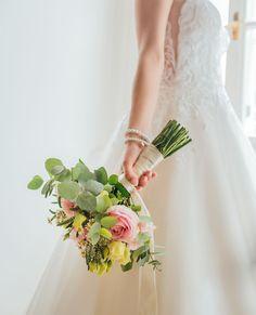 #slovenskasvadba #svadobnafotografia #fotografnasvadbu #svadobnyfotograf #svadobnefoto #marosmarkovic #svadobnakytica Studio, Wedding Dresses, Fashion, Bride Dresses, Moda, Bridal Gowns, Fashion Styles, Weeding Dresses, Studios