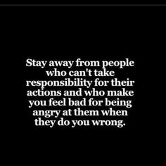 Das beste Tarot Kartenlegen online – Gratis Tarot Stay Away from People Who Can't Take Responsibility Great Quotes, Quotes To Live By, Me Quotes, Motivational Quotes, Inspirational Quotes, Stay Away Quotes, Bad Dad Quotes, Being Real Quotes, Bad Friend Quotes