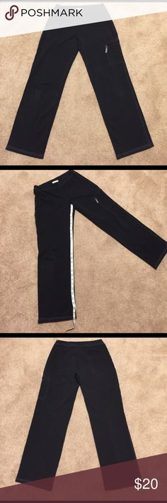 🌺🦋 LOFT 🦋🌺 Awesome Jogging/walking pants 🌺🦋 LOFT 🦋🌺 Awesome Jogging/walking athletic pants these athletic pants have great spandex material soft and comfortable.  Zipper pocket on left leg and the light blue stitching just pop these athletic pants.  Preloved in excellent condition. LOFT Pants Track Pants & Joggers