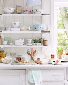"""myidealhome: """"manic monday: the cutest tidy kitchen! / via Sarah Kaye - ph. Brent Darby """""""