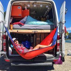 Easy Camping Van Life Ideas To Enjoy Your Summer 9328 Sprinter Van Conversion, Camper Conversion, Diy Camper, Camper Life, Bus Life, Astuces Camping-car, Combi Ww, Kangoo Camper, Kombi Motorhome