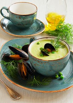 Entertaining| Serafini Amelia| Cream soup of peas with  mussels recipe