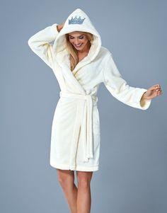 peignoir doux chaud court ecru pillou femme confort capuche GAJANA L&L Winter Gowns, Girls Pajamas, Bridal Lingerie, Pyjamas, Pjs, Couture, Home Textile, Night Gown, Underwear
