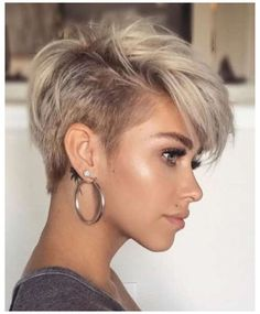 Latest Short Hairstyles, Short Hairstyles For Thick Hair, Short Pixie Haircuts, Short Hair With Layers, Curly Hair Styles, American Hairstyles, Layered Hairstyles, Hairstyle Short, Diy Hairstyles