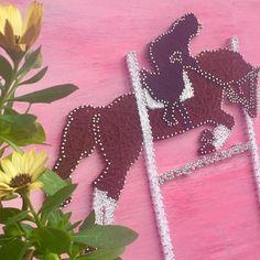 "Cuadro String Art ""Caballo con Jinete"" #hilorama #clavos #hilos #nails #wood #homemade #diy #manualidades #stringart #fils #madera #string #hechoamano #manualitats #caballo #cavall #horse #jinete"