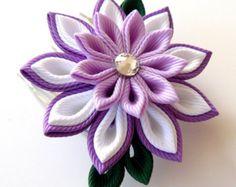 Peine del pelo de flores de tela Kanzashi. Orquídea. por JuLVa