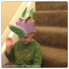 5 minute Dinosaur Crafts for Kids: Bobbling Dinosaur Hats - tons of bobbling fun!  How Wee Learn