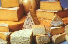 Typical cheese produced in Lake Como: Semuda, Latteria, Lariano | Formaggi tipici del Lago di Como: Semuda, Latteria e Lariano | #lake #Como #Lago #Italy #lakecomotravelguideapp #food #cheese #lariano #semuda #latteria