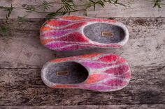 Grey felted slippers women woolen clogs ombre pink red orange texture home shoes with black rubber sole house slippers - handmade to order