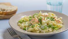 Barn liker både pasta og laks, så pastalaks blir nok en rett som faller i smak. Den er også rask og enkel å lage, så dette… Salmon Pasta, Spaghetti Noodles, One Pot Meals, Food Inspiration, Potato Salad, Seafood, Dinner Recipes, Food And Drink, Dishes