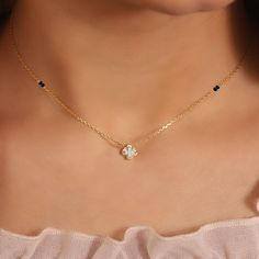 """Hello buddies, welcome back to Ani Exclusive. Today we bring to you """"CLASSY NECKLACE FOR LADIES."""" These necklace are so beautiful and alluring. Gold Chain Design, Gold Ring Designs, Gold Jewellery Design, Gold Jewelry Simple, Stylish Jewelry, Gold Mangalsutra Designs, Schmuck Design, Hogwarts, Beaded Jewelry"""