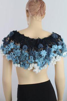 Forma libre del ganchillo capucha - boda encogiéndose de hombros - Wearable Art - OOAK