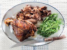 Hierdie resep werk net so goed met 'n wildsboud en 'n heel hoender. Lamb Recipes, Cooking Recipes, Lamb Ribs, South African Recipes, Family Meals, Food Inspiration, Pork, Appetizers, Yummy Food