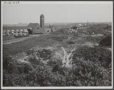 Duindorp is één van de bekendste wijken in Scheveningen. De wijk ligt ingeklemd tussen het Verversingskanaal, het duinpark Bosjes van Poot en het Westduinpark en de Noordzee. In 2015 bestaat het wijkje 100 jaar, en hieronder wordt de geschiedenis beknopt … Lees verder →