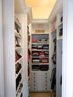 Good idea for small walk-in closet if this is the shape I have available