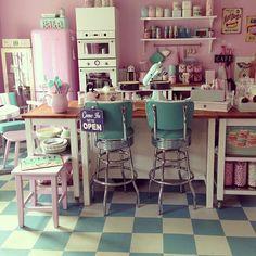 American retro milkshake bar style! manuals kitchen - retro 50's style bakery interior?