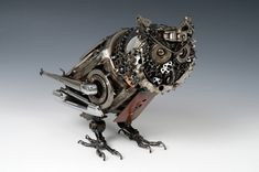 Steampunk Animals by James Corbett, The Car Part Sculptor James Corbett takes used card parts and, using them like pieces in a puzzle, creates amazing steampunk sculptures. Corbett showed artistic talent ever since he was a little boy. Animal Robot, Steampunk Kunst, Steampunk Bird, Steampunk Images, Steampunk Artwork, Steampunk Design, Car Part Art, Steampunk Animals, Sculpture Metal