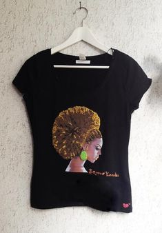 Beyonce T-shirt Queen Bey T shirt Natural Hair Curly Hair - Quortshirts Beyonce T Shirt, Curly Hair Styles, Natural Hair Styles, Natural Accessories, T Shirt Painting, African American Hairstyles, African Beauty, Kinky, Beauty Women