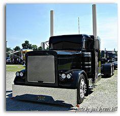 Peterbilt, Custom Show Truck. Photo courtesy of Jack Byrnes Hill.