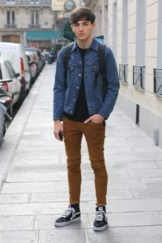 S jacket&outwear fashion trends on oct 2017 men's trends fashion Moda Skate, Khakis Outfit, Brown Pants Outfit, Urban Fashion, Mens Fashion, Style Fashion, Fashion Trends, Guy Fashion, Fashion 101