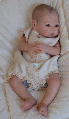 Adopted Reborn Babies - Bespoke Babies                                Estou esperando para adotar um bebe destes de gracia.