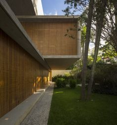 Amazing Casa P by the Brazilian masters, Studio MK27.