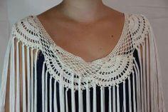 mantoncillos y accesorios flamenca - Buscar con Google Crochet Collar, Crochet Jacket, Knit Crochet, Crochet Hats, Shawl Patterns, Crochet Patterns, Crochet Shawls And Wraps, Crochet Wedding, Neck Warmer