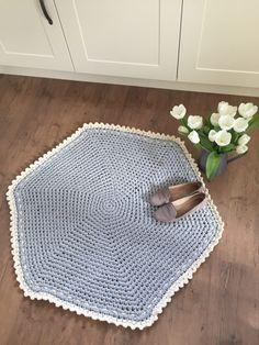 Crochet Club: big squishy crochet rug!