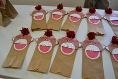 Cute craft! Monkey puppets.