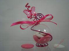 Contenant dragées papillon rose cristal, Boule dragees mariage - Dragéeslad.