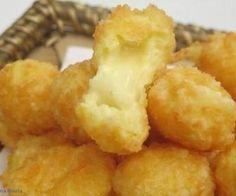 Receita de Bolinha de queijo superprática - Show de Receitas