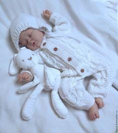 Купить Комбинезон Снежок - комбинезон, комбинезон детский, комбинезон для малыша, комбинезон вязаный, комбинезон для мальчика Crochet Bows, Baby Girl Crochet, Crochet Baby Booties, Knitting For Kids, Baby Knitting Patterns, Crocodile Stitch, Baby Sweaters, Doll Clothes Patterns, Baby Wearing