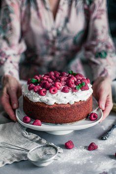 Healthy Birthday Cake / gluten free / Vegan - Delicious and Healthy by Maya : . This Healthy Birthday Cake is gluten free and vegan and oh so light and delicious. Made with gluten free buckwheat and rice flour Gluten Free Birthday Cake, Healthy Birthday Cakes, Vegan Birthday Cake, Birthday Cakes For Teens, Healthy Cake, Birthday Recipes, Healthy Birthday Cake Alternatives, Happy Healthy, Raw Cake