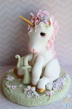 Unicorn cake (example for polymer clay) But what is that between its legs?