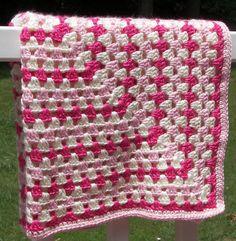 Rosa und Creme Decke Granny Quadrat häkeln Babydecke