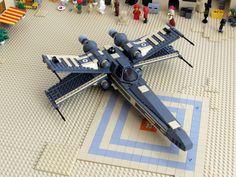 Lego Mandalorian, Lego Transformers, Star Wars Bedroom, Lego Spaceship, Lego People, Lego 4, Cool Lego Creations, Lego Worlds, X Wing